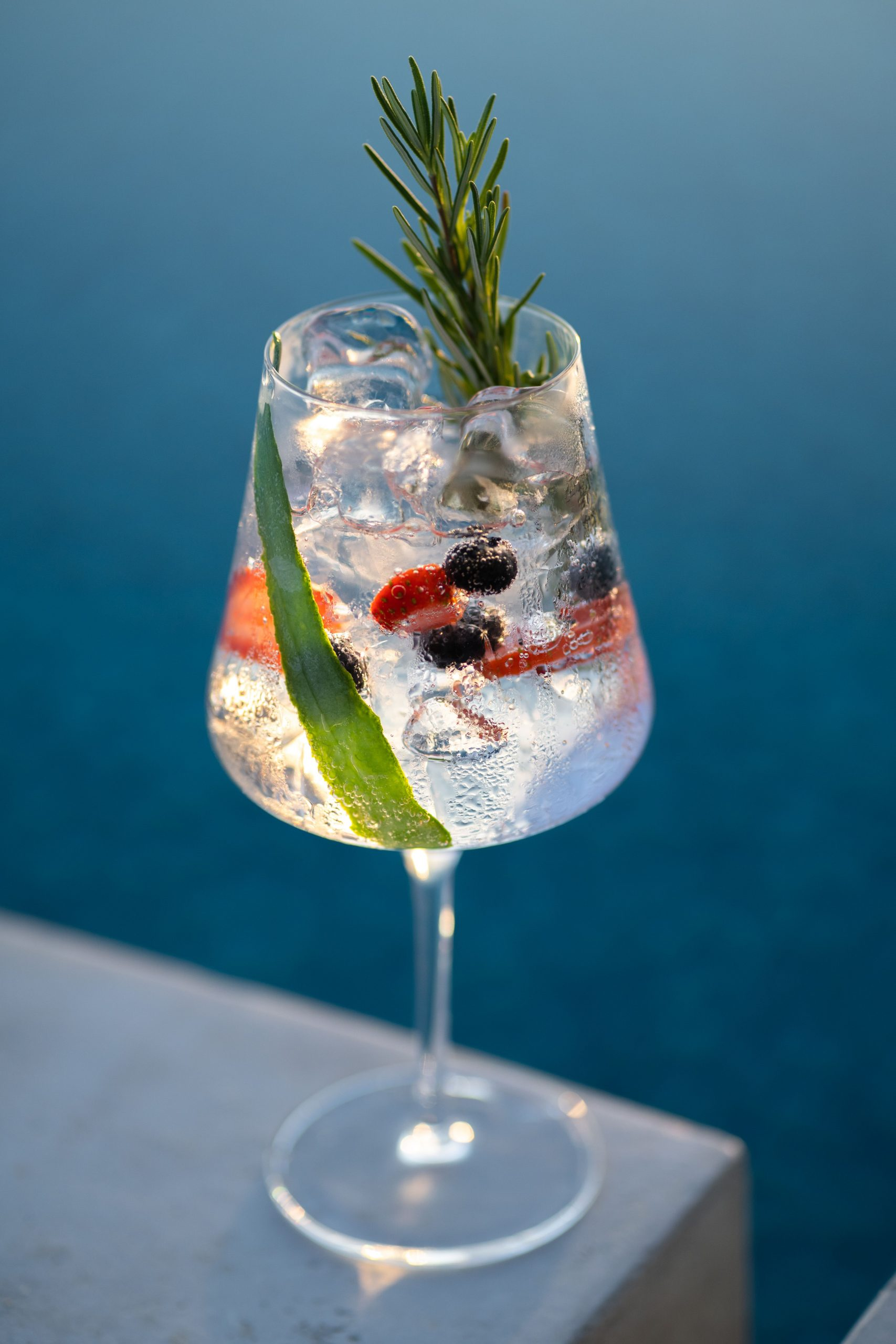 G&T (contemporary style) COCKTAIL